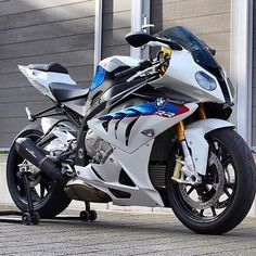 Double tap this #BMW @solorider_rr