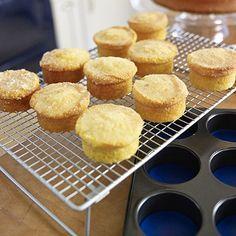 Mary Berry& Little Lemon Drizzle Cakes ~ with crunchy lemon sugar topping… Lemon Recipes, Sweet Recipes, Baking Recipes, Cake Recipes, Dessert Recipes, Trifle Desserts, British Baking, British Bake Off, British Cake
