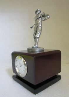 Would make a great addition to your collection. Gifts For Golfers, Metal Engraving, Desk Clock, Vintage Sheets, Battery Operated, Beer Bottle, Man Cave, Pewter, Antique Jewelry