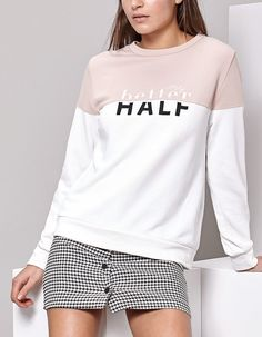At Stradivarius you'll find 1 Colour block sweatshirt for woman for just 25.99 United Kingdom . Visit now to discover this and more SWEATSHIRT.