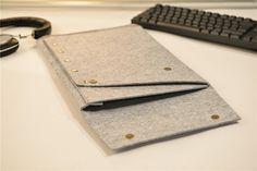 Snap Button Felt Macbook Pro 15 Retina by JYcustomworkshop