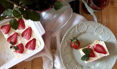 Jáhelník s krémem ze sýru cottage a jahodami