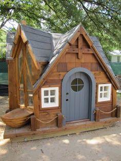 a Hobbit house!a Hobbit house! Cubby Houses, Fairy Houses, Dog Houses, Play Houses, Hobbit Houses, Kids Wooden Playhouse, Backyard Playhouse, Kid Playhouse, Wendy House