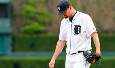 Heyman: White Sox agree to deal with Mike Pelfrey = The Chicago White Sox have agreed to a deal with starting pitcher Mike Pelfrey, sources tell FanRag Sports. After recently being released by the rival Detroit Tigers, Pelfrey will stay in the AL Central with the White Sox. With the White Sox slated to be without…..