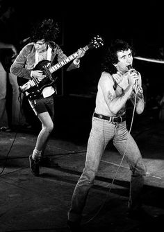 1977/03/12 - GBR, Leeds, University | Highway To ACDC : le site francophone sur AC/DC