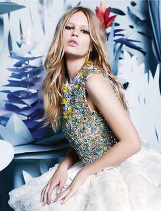 Anna Ewers, mannequin de l'année 2015 par Karl Lagerfeld pour Numéro | Numéro Magazine