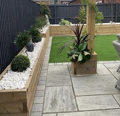 Back Garden Landscaping, Small Garden Landscape, Backyard Patio Designs, Back Gardens, Outdoor Gardens, Wooden Garden Edging, Back Garden Design, Backyard Renovations, Garden Makeover