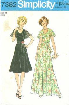 Simplicity 7382 -- 1976 sleeveless dress with cape collar
