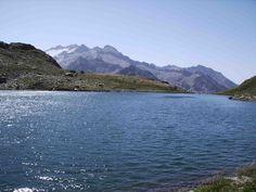 ¡Buen fin de semana de #pesca para tod@s! Ibones: Término que utilizan en Aragón para referirse a los lagos de montaña que salpican el Pirineo (Jorge Colás)