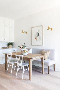 breakfast nook / small space dining What's Decoration? Decoration is the art of decorating the interior and exterior of the … Scandi Living, Home Living, Scandinavian Dining Table, Living Rooms, Dining Nook, Dining Room Design, Dining Chairs, Small Dining Area, Cozy Dining Rooms