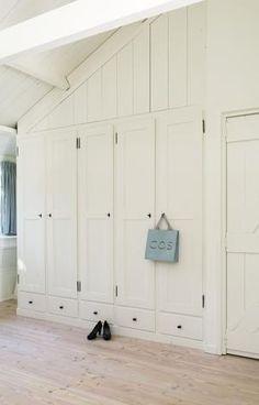 Kastenwand 2,80 m breed x 2,60m hoog. Openslaande deuren, geen ...