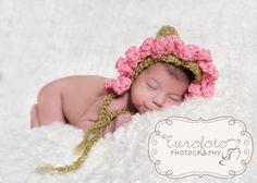 un piccolo fiore nato dall'AMORE dei suoi genitori #love #aspettandote #baby #gravidanza #mamma #papà #futuramamma #bimba #bimbo #amore #pancione #mammina #neonato #attesa #mani #tiamo #emozioni #maternità