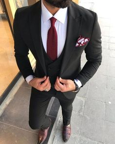 Dress to operate Form, one designer piece of looks. Black Fitted Suit, Black Suit Men, Black Suit Wedding, Wedding Suits, Mens Fashion Suits, Mens Suits, Black Suit Combinations, Blazer Outfits Men, Dress Suits For Men