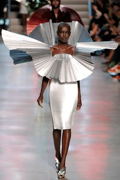 Paco Rabanne Spring 2012 Ready-to-Wear