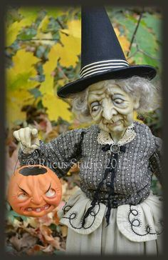 Rucus Studio - a lovely doll for Ghoultide Gatherings in by Scott Smith. Retro Halloween, Halloween Doll, Halloween Projects, Holidays Halloween, Happy Halloween, Halloween Decorations, Halloween Witches, Halloween Gourds, Halloween Goodies