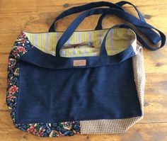 This large tote wins for the funkiest lining, 60 euros Your Boyfriend, Boyfriend Jeans, Large Tote, Denim, Fashion, Moda, Fashion Styles, Fashion Illustrations, Jeans