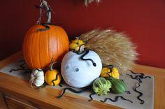 Halloween decor - snake pit pumpkin display