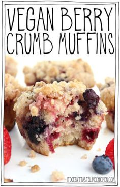 Fluffy sweet berry-stuffed and cinnamon-infused super tender and moist with a sweet crumbly topping. These quick and easy to make muffins are perfect for a special brunch or a wonderful breakfast treat. Healthy Vegan Dessert, Vegan Dessert Recipes, Vegan Breakfast Recipes, Vegan Sweets, Vegan Snacks, Whole Food Recipes, Vegan Breakfast Muffins, Vegan Lunches, Breakfast Ideas