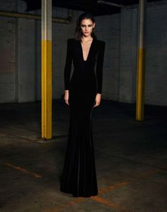 Love this! The neckline, the fishtail.. cant wait to exhibit my cocktail dresses and evening gowns when i have much more wardrobe space at second home!