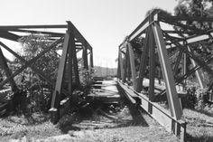Pontes que levam a outro destino.