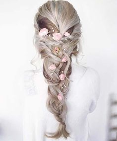10 Beautiful Hairstyle Ideas for Prom Night: #6. FLORAL BRAID