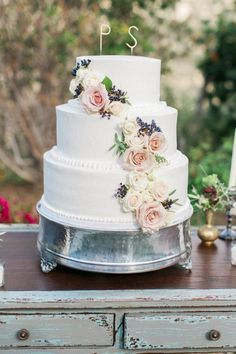 Wedding Cakes  :     Picture    Description  Floral topped wedding cake: www.stylemepretty… | Photography: Elate Photo – www.elatephoto.com/    - #Cake https://weddinglande.com/planning/cake/wedding-cakes-floral-topped-wedding-cake-www-stylemepretty-photography-elate-photo-ww/
