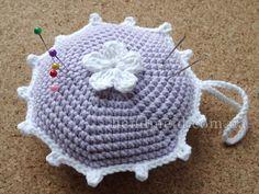 Игольница с цветочком вязаная крючком. Crocheted pincushion.