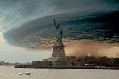(7) Hurricane Sandy hit the North east of the Unites States on October the 29th in 2012