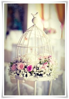 A lovely wedding centerpiece on a budget - more ideas here.