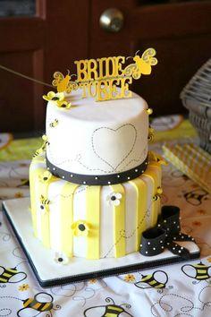 Bee15 wedding cakes