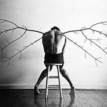 Fotógrafo cria imagens para o ajudar a lidar com a depressão
