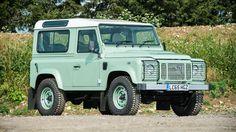 Land Rover Defender Heritage Edition is te koop - https://www.topgear.nl/autonieuws/land-rover-defender-heritage-edition/