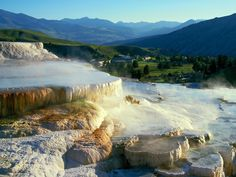 Yellowstone National Park   Yellowstone National Park - Mammoth Hot Springs - Wyoming