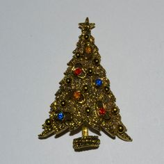 Vintage 1960s Christmas Tree Brooch by ART. #vintage #christmastree #pin #brooch #giftforher #holidayfashions #art #jewelry @Etsy