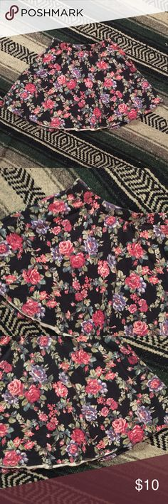 Floral Skater Skirt Size small. Good condition. Floral print circle skirt. Skirts Circle & Skater