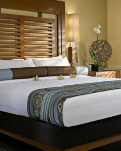 Guestrooms and suites, renovated in 2010, have Indonesian-inspired decor.