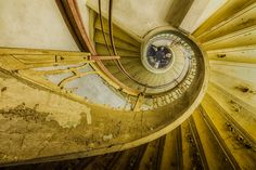 My Photos Of Stairs In Abandoned Buildings That I've Collected Over The Years - Christian Richter Old Abandoned Buildings, Old Buildings, Abandoned Places, Abandoned Mansions, Stairway To Heaven, Urban Decay Photography, Building Stairs, Stairways, Old Houses