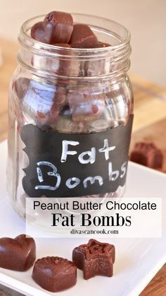 Chocolate Peanut Butter Fat Bombs If you find yourself dreaming of Reece's Peanut Butter Cups, these are the PERFECT substitute for you. Though they are not sweet, they have peanut butter and chocolate and are perfect for Keto, and low-carb diets. Keto Foods, Keto Fat, Ketogenic Recipes, Low Carb Keto, Ketogenic Diet, Diet Recipes, Lchf, Banting, Paleo Dessert