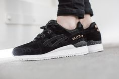 "ASICS GEL LYTE III ""ROSE GOLD PACK"" BLACK/BLACK  available at www.tint-footwear.com/asics-gel-lyte-iii-rose-gold-pack-h624l-9090  Asics gel lyte III Rose Gold Pack black leather sneakers runners kicks tint footwear studio munich"