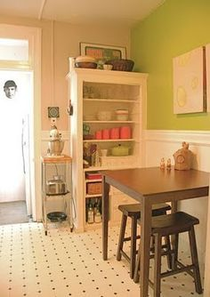 1000 images about home space saving ideas on pinterest for Eating tables for small spaces