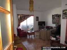190000,00€ · Vendo piso de 3 habitaciones + cochera cerrada · Piso en Venta a las afueras de Coin (Málaga), a tan sólo 0,5 km de la ciudad, en la zona de Ronda Azahares. A tan sólo 3 kms de la montaña. Dispone de una superficie útil de 84 m². El Piso se encuentra en una 2ª planta. Distribución interior: 2 habitaciones individuales, habitación doble, baño, baño de invitado, salón, cocina individual, terraza, lavadero. Año de construcción: 2002. Con disponibilidad para poder entrar a vivir…