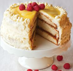 This elegant lemon cake is packed with the refreshing lemon flavour of our award winning Lemon Curd, layered thick with our New Raspberry Seedless Extra Jam and finally topped with homemade creamy lemon frosting.