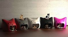 Kitty Meow Cat Head Shaped Pet Bed