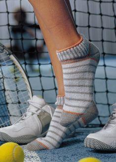 Easy Knitting Patterns, Knitting For Kids, Knitting Socks, Knitting Ideas, Knitted Slippers, Patterned Socks, Colorful Socks, Sneakers, Short Socks