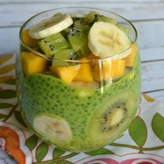 Green Chia Pudding (Healthy & Sugar-Free)