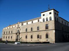 ALONSO DE COVARRUBIAS: Hospital de Tavera o de San Juan Bautista (Toledo). Fachada.