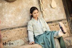 Shin Se Kyung as Boon Yi / Six Flying Dragons