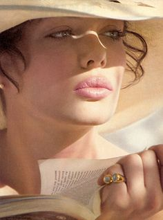 One of my favorite images of Kelly LeBrock. Such a beautiful all natural big pucker!