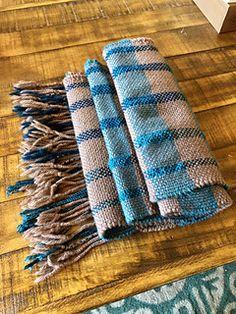 Ravelry: yasioasasi's Plaid Scarf #2 Plaid Scarf, Ravelry, Photo Ideas, Hand Weaving, Mad, Crochet, Fashion, Loom, Crafts