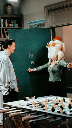 20 Reasons Friends Always Had the Best Thanksgiving Episodes - Unterhaltung Friends Scenes, Friends Cast, Friends Episodes, Friends Moments, Friends Tv Show, Tv Episodes, Friends Tv Quotes, Monica And Chandler, Chandler Bing